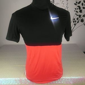 Nike dri fit men's Tshirt size M.